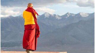 Guru Rinpoche Mantra Lyrics, Meaning and Chanting Benefits