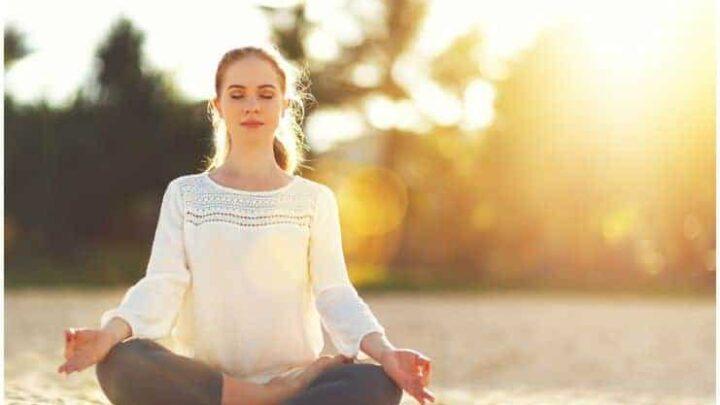 How To Do Sukhasana / Easy Sitting Pose + Benefits