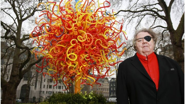 30 Dale Chihuly Quotes About Art & Life