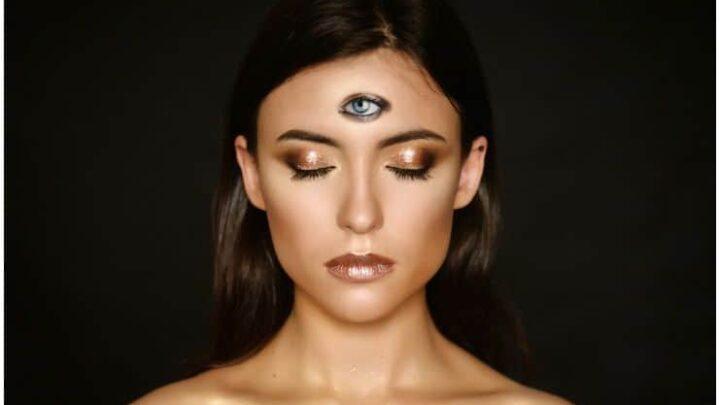 Shambhavi Mudra Meditation (Third Eye Mudra) - Eyebrow Centre Gazing