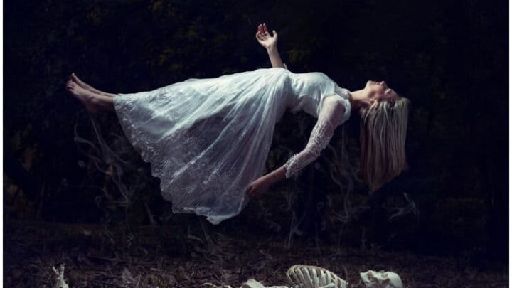11 Best Herbs For Astral Projection