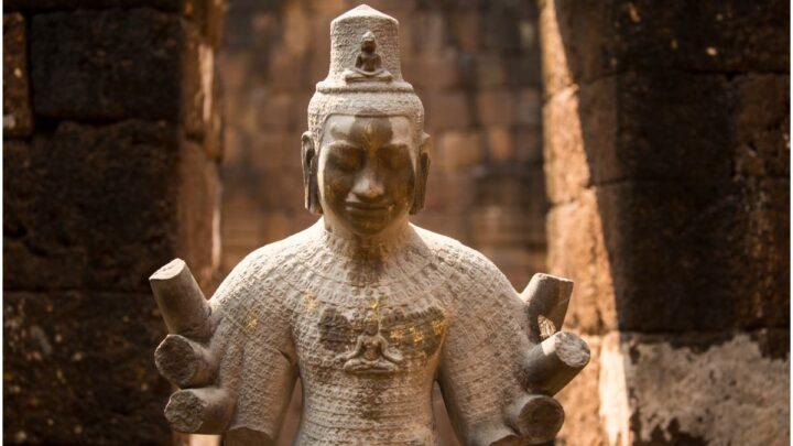 Avalokitesvara Mantra – The Wish Fulfilling Mantra Lyrics in Sanskrit