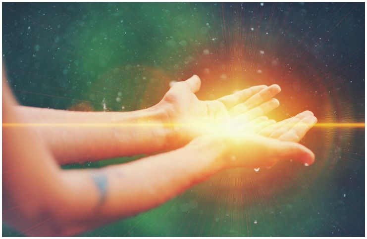 10 Natural Energy Healer Signs And Characteristics