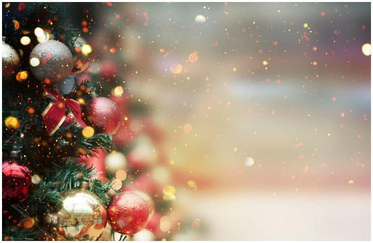 Top 35 Christmas Quotes To Share With Your Friends & Family