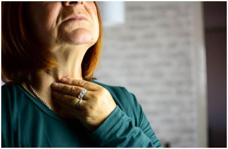 Hyperthyroidism thyroid throat