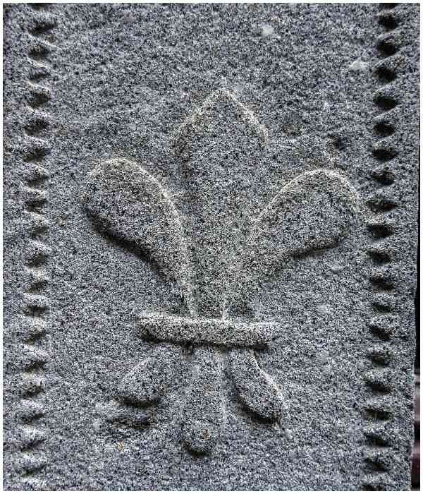 Fleur de Lis symbol meaning