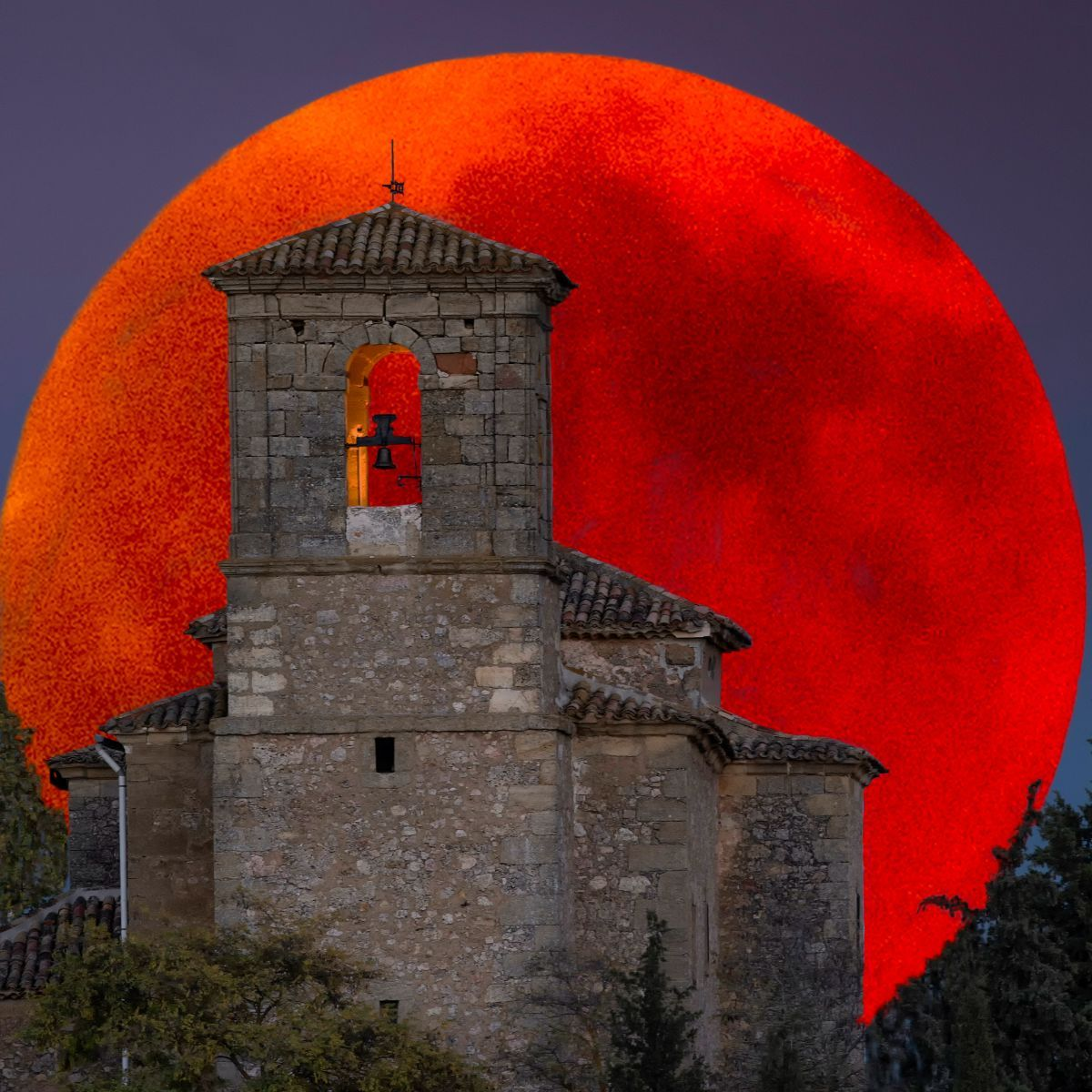 Spiritual Meaning of the Blood Moon